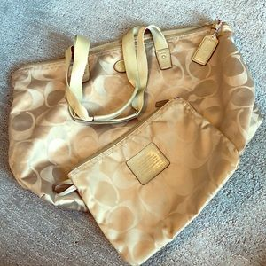 Coach shopping tote w/ pouch